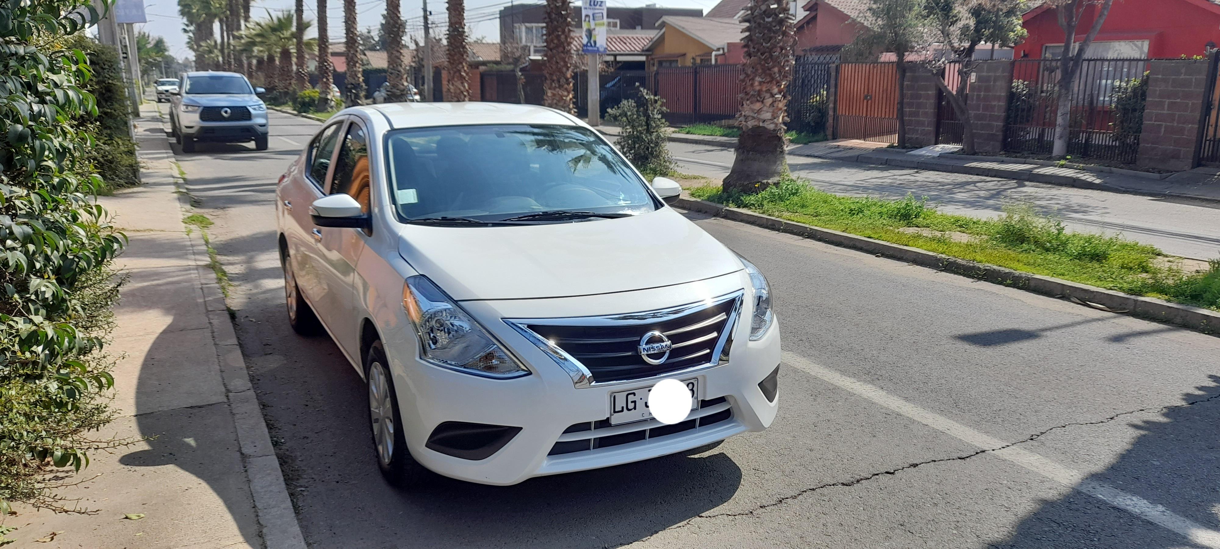 Nissan Versa Sense 1,6 MT año 2019
