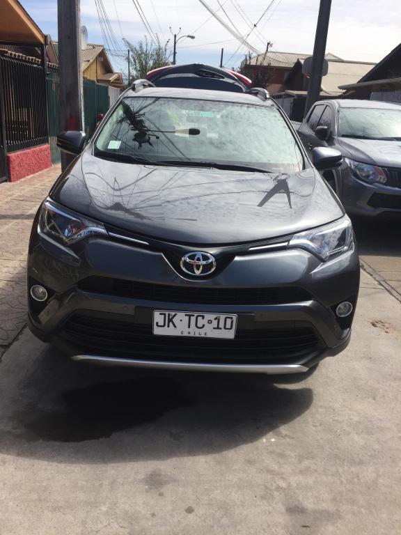 Toyota Rav 4 super lujo año 2017